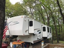 2002 35ft Cameo Carriage 5th Wheel RV in Camp Lejeune, North Carolina