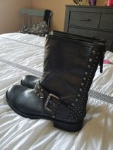 Woman's nine west blk leather size 9 in Schaumburg, Illinois