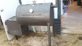 solid steel smoker in Pasadena, Texas