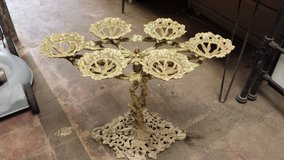 Antique plant holder in Pasadena, Texas