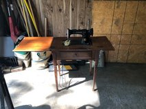 Antique Singer Sewing Machine in St. Charles, Illinois
