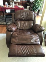 Leather couch,loveseat,recliner, 2 end tables and 1 center table in Glendale Heights, Illinois