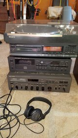 Vintage Stereo equipment in great shape in Lockport, Illinois