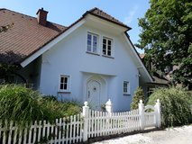 Cozy furnished 2 BR apartment near Clay in Wiesbaden, GE