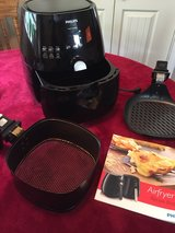 Phillips Air Fryer with grill pan in Fort Leonard Wood, Missouri