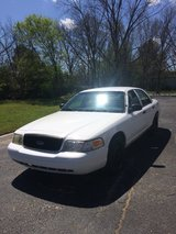 2006 FORD CROWN VIC WITH 92,000 MILES in Fort Rucker, Alabama