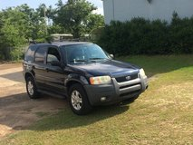 2004 FORD ESCAPE WITH LEATHER SEATS in Fort Rucker, Alabama