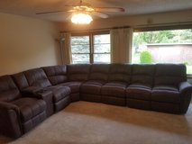 Lane Grand Torino sectional couch in Sugar Grove, Illinois