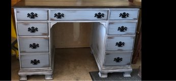Ethan Allen desk in Naperville, Illinois
