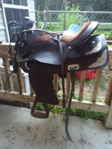 Saddle w/ headstall and breast collar in Cleveland, Texas