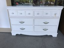 6 Drawer White Dresser in St. Charles, Illinois