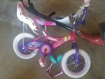 Preschool princess bike w training wheels in Fort Riley, Kansas