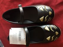 Gymboree girls cat shoes size 10 in Naperville, Illinois