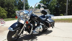 07 Road King Classic in Fort Leonard Wood, Missouri