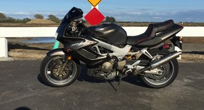 Honda vtr1000 in Travis AFB, California