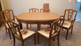 Dining Room Table w/6 chairs in Lockport, Illinois