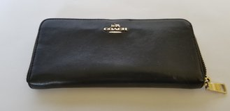 Women's Leather Coach Wallet in Okinawa, Japan