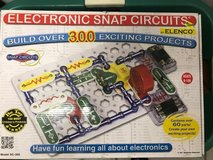 Award Winning Snap Circuits SC-300 Electronics Discovery Kit in Ramstein, Germany