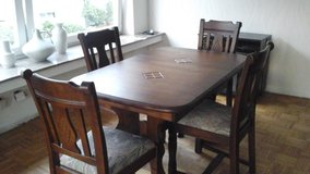 Awesome oak table and chairs -- great size!!!! in Ramstein, Germany
