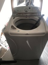 Whirlpool Cabrio 28 Inch Top-Load Washer in Spring, Texas
