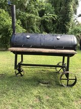 barbecue pit (price reduced) in Spring, Texas