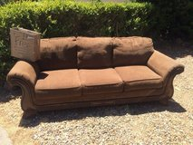 FREE! Comfy Couch FREE! in Fairfield, California