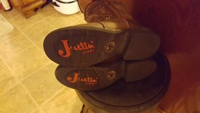 Women's Justin boots in DeRidder, Louisiana