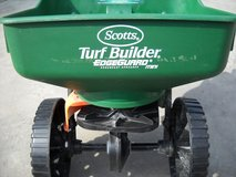 Scotts Turf Builder Spreader in Baumholder, GE