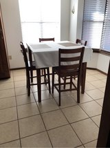 Dining Table & Chairs in Alamogordo, New Mexico
