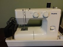 Simplicity Portable Sewing Machine in Fort Leavenworth, Kansas