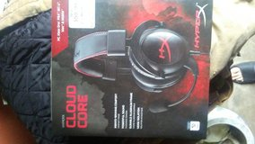 Gaming headphones with detachable mic in Rolla, Missouri