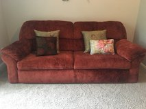 Couch w/pull out bed in Shaw AFB, South Carolina