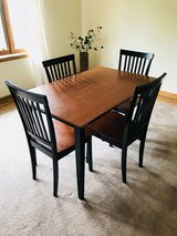 Kitchen table in Naperville, Illinois