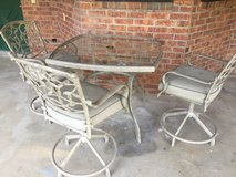 Patio Set (Moving out of town...must sell) in Fort Bliss, Texas