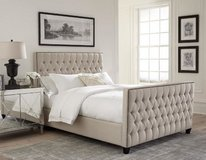 NEW! LUXURIOUS TUFTED QUEEN LINEN BEDFRAME / WITH WARRANTY! in Camp Pendleton, California
