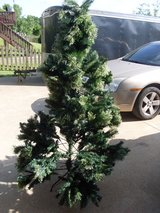 6.5 Ft Green Christmas Tree Deluxe Cashmere 880 Tips Metal Stand Winter in Fort Campbell, Kentucky