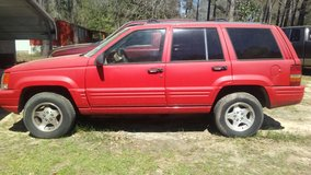 Jeep Grand Cherokee in Cleveland, Texas