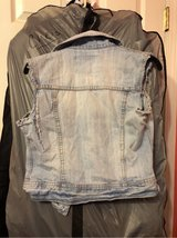 summer half Jean jacket size small in Kirtland AFB, New Mexico
