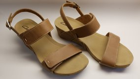 Clark's women's sandals (Size 7.5) in Okinawa, Japan
