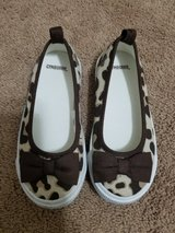 Toddler girls shoes sz 10 in Naperville, Illinois