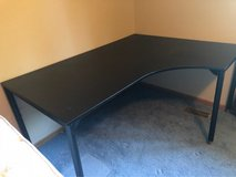 large desk in Tinley Park, Illinois