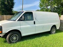 2007 chevy 3/4 ton van in Baytown, Texas