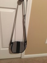 Houndstooth purse in Fort Campbell, Kentucky