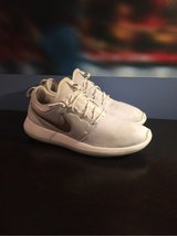 Custom Nike ID Roshe Two 'white with gold swoosh' size 10.5 in Naperville, Illinois