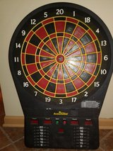 Dartboard takes 4  D batteries 4 player in Chicago, Illinois