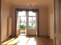 City Center  - 3 Balconies - Historic Square - Perfect Location in Wiesbaden, GE