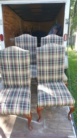 4 dining room chairs(credit card accepted in Camp Lejeune, North Carolina