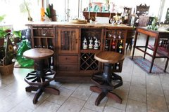 folding bar with antique wheel hubs & 2 matching stools in Baumholder, GE