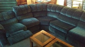 QUALITY SLEEPER AND RECLINING SECTIONAL SOFA in Lake of the Ozarks, Missouri