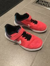 Girl Nike size 13.5 in Chicago, Illinois